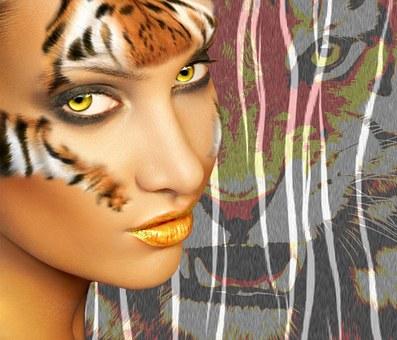 女性と虎の写真